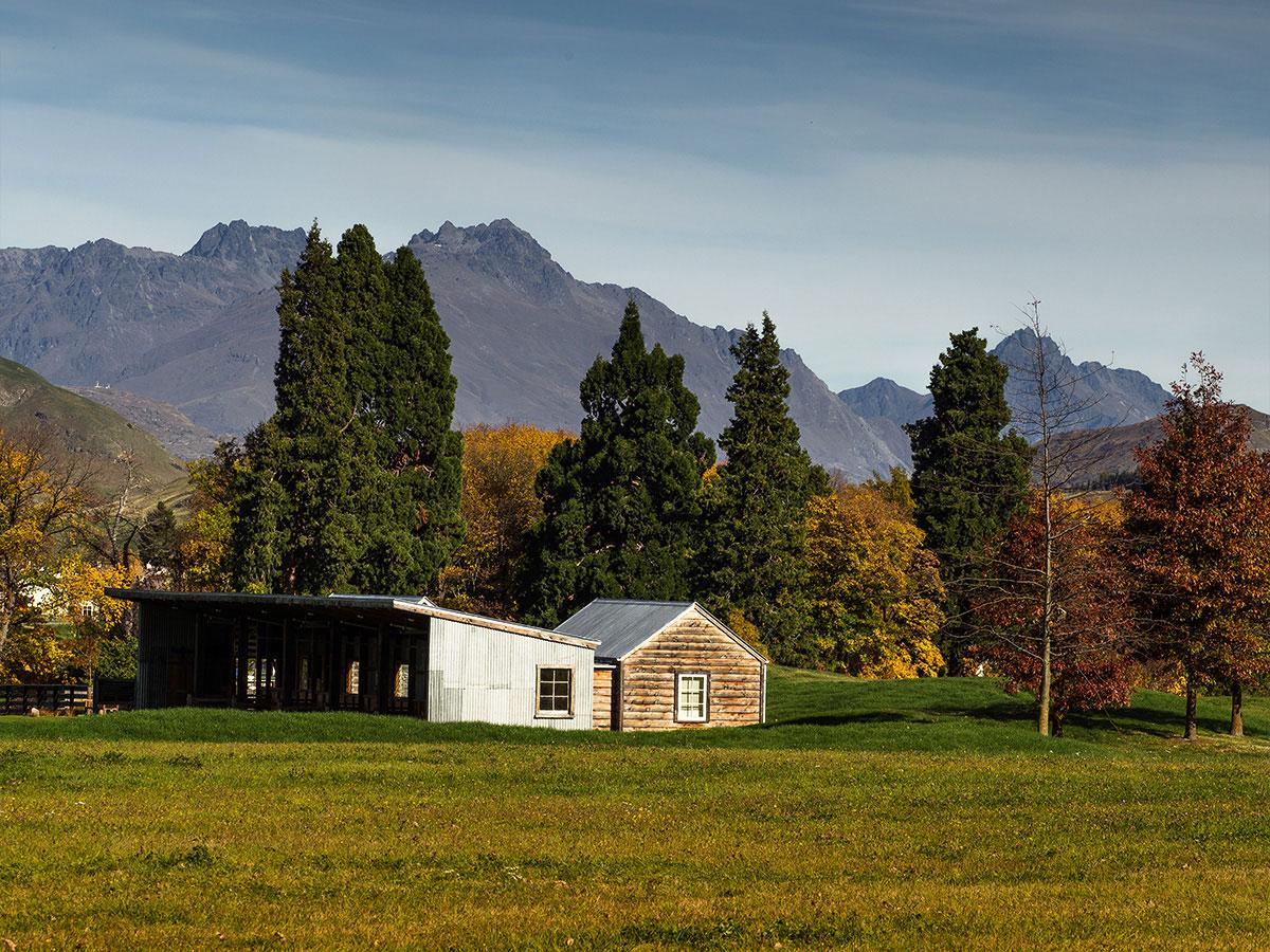 arrowtown-millbrock-hut-western