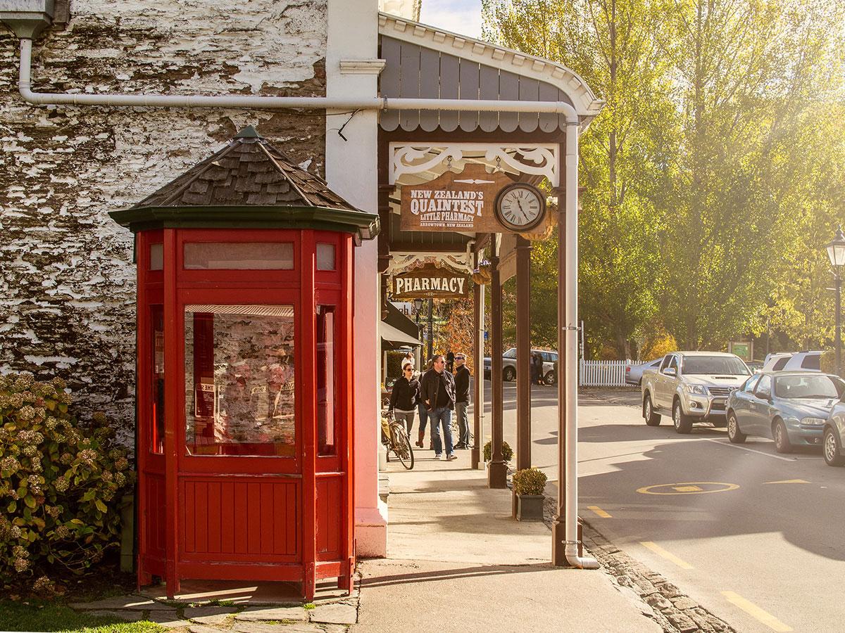 arrowtown-new-zealand-telephone-box