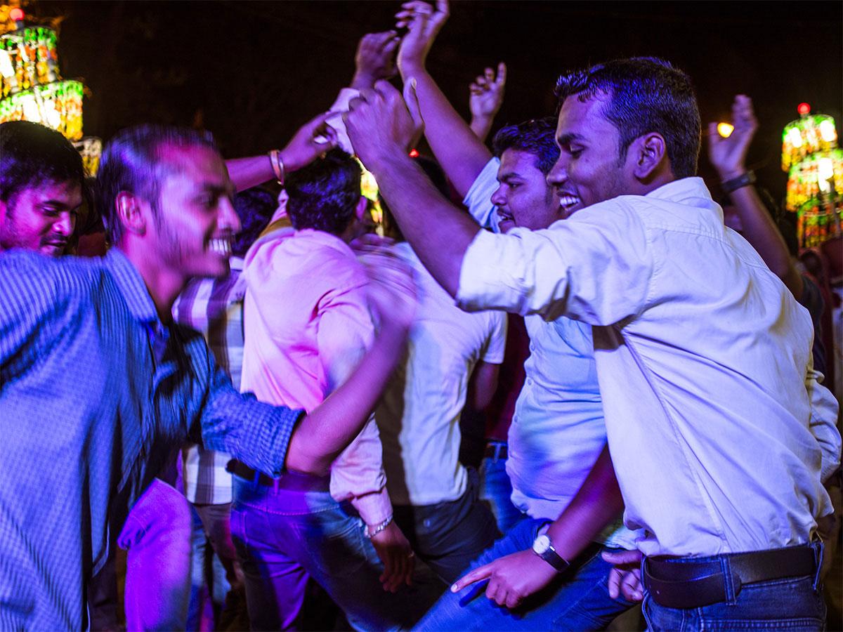 india_wedding_dancer_party