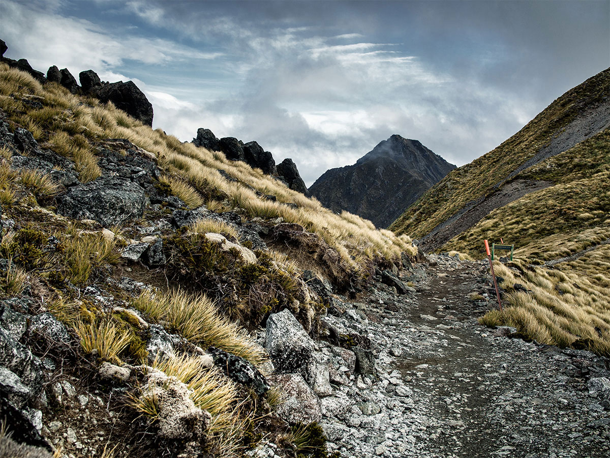 new-zealand-kepler-track-mountain-luxmore