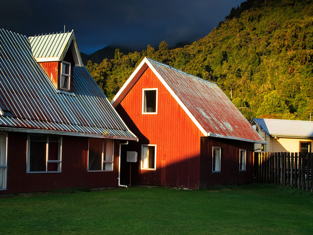Franz_Josef_Glacier_New_Zealand_Houses_Town