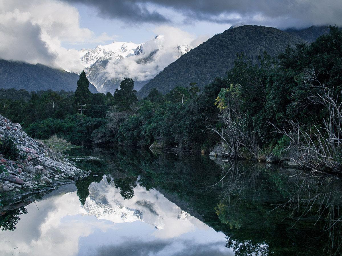 Franz_Josef_Glacier_New_Zealand_Reflection