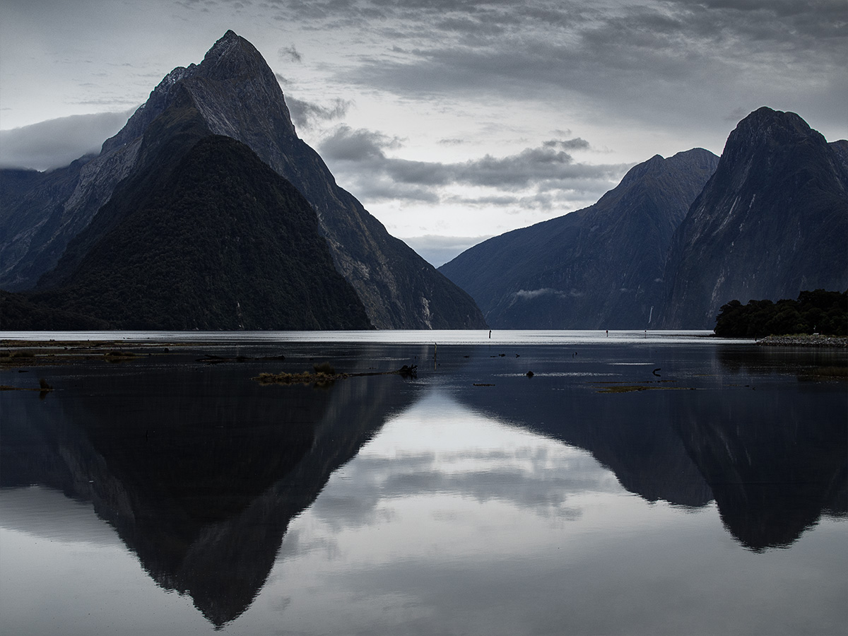 milford_sound_new_zealand