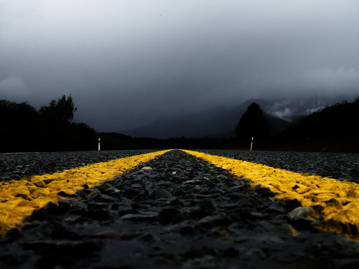 road_to_milford_sound_new_zealand